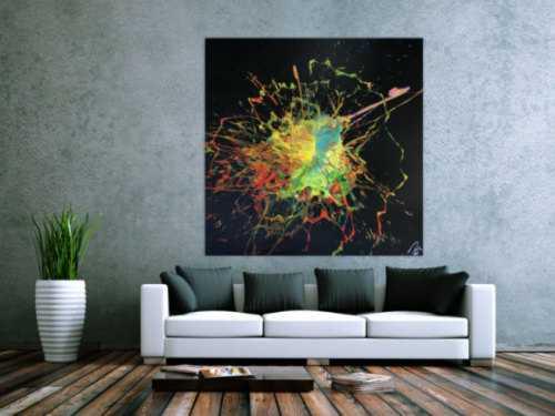 Abstraktes Acrylbild Action Painting Slash Art sehr bunt auf schwarzem Hintergrund