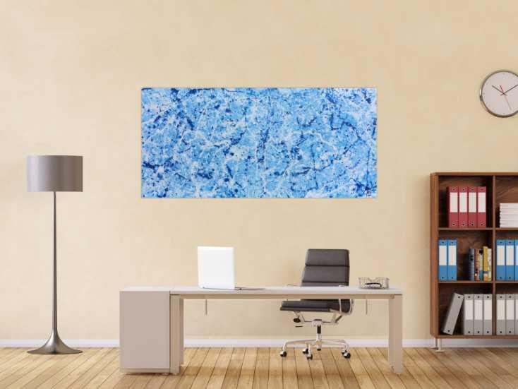 #1101 Abstraktes Acrylbild Action Painting modern schlicht hellblau weiß 80x170cm von Alex Zerr