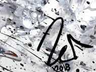 Detailaufnahme Abstraktes Acrylbild Action Painting sehr modern roter Fleck auf weiß grau braun schwarz Splash Art