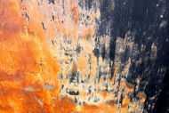 Detailaufnahme Abstraktes Acrylbild aus echtem Rost und Acryl Mischtechnik sehr modern Rost auf schwarzer Leinwand