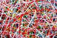Detailaufnahme Abstraktes Acrylbild Mischtechnik bunt viele Farben feine bunte Streifen auf schwarzem Hintergrund